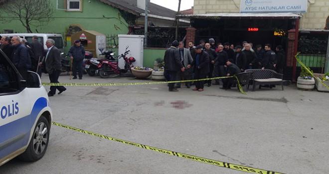 Camiye giden husumetlisine ateş açtı, 2 kişi yaralandı
