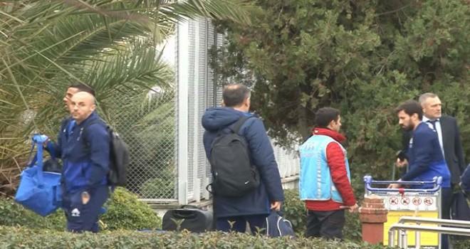 Fenerbahçe devre arası kampı için Antalya'ya gitti