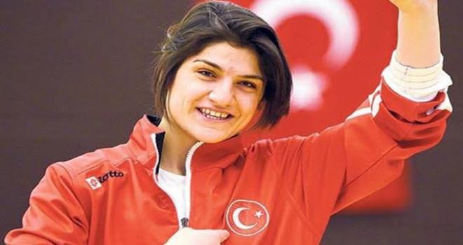 Görme engelli judocu Zeynep Çelik'ten tarihi altın...