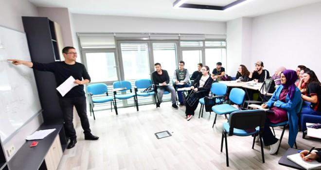 Akademi Beyoğlu'nda 8 branşta yabancı dil eğitimi...