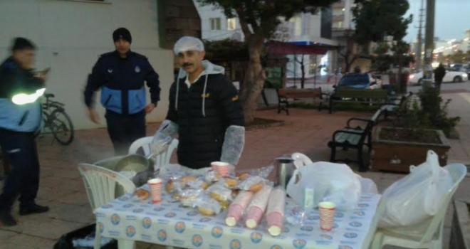 Mezitli Belediyesinden Sabah Namazı Sonrası Çorba...