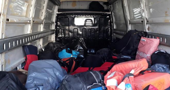 Yunanistan'a geçmek isteyen 54 kaçak göçmen yakalandı