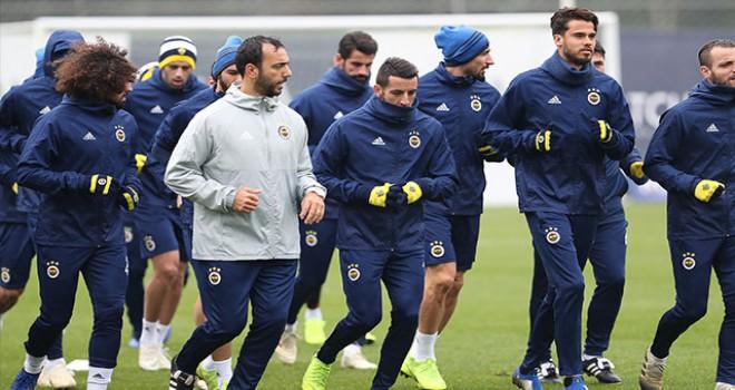 Fenerbahçe pas ve hücum-defans çalıştı