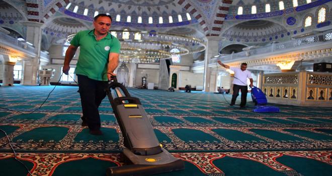 BEYLİKDÜZÜ'NDE İBADETHANELER BAYRAMA HAZIR