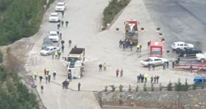Maden işçilerini taşıyan minibüs ile kamyon çarpıştı:...