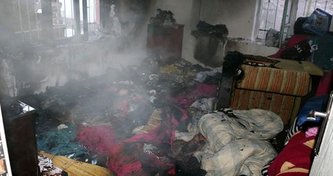 Yardıma çevredekiler koştu, 3 kardeş ölümden...