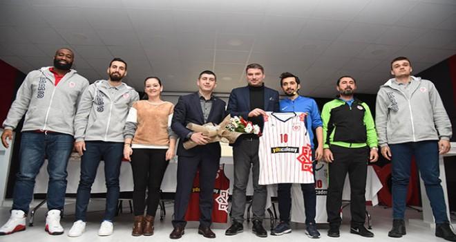 Karesispor Basketbol Takımı, panelde öğrencilerle...
