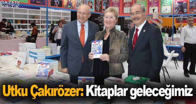 CHP'li Çakırözer TÜYAP Kitap Fuarı'nı ziyaret...