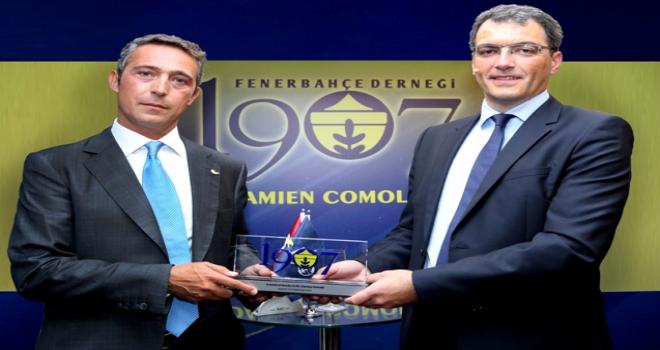 Fenerbahçe, Damien Comolli ile 3 yıllık anlaşma imzaladı