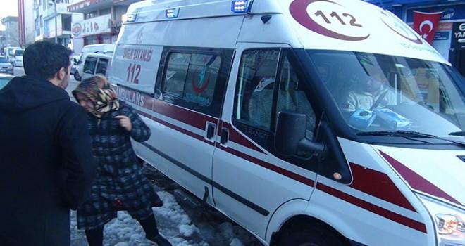 Mangaldan zehirlenen kadın hastaneye kaldırıldı