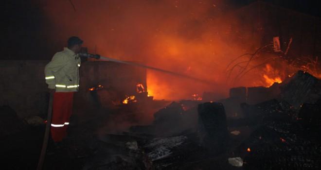 Antalya'da zamanlı iki orman yangını