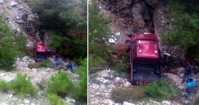 Alanya'da kamyonet uçuruma yuvarlandı: 1 ölü,...
