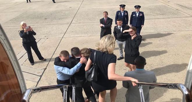 Brunson'u ABD'ye getiren askeri uçak Andrews Hava...