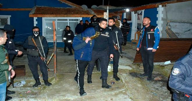 Mandırada kumar operasyonu: 54 kişi gözaltına...