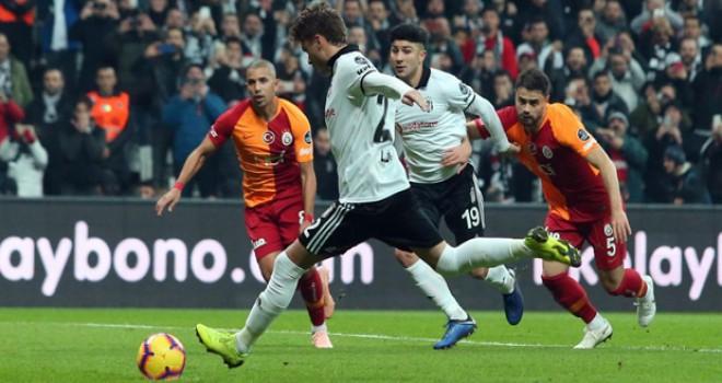 Süper Lig'de dev derbi: Beşiktaş 1-0 Galatasaray