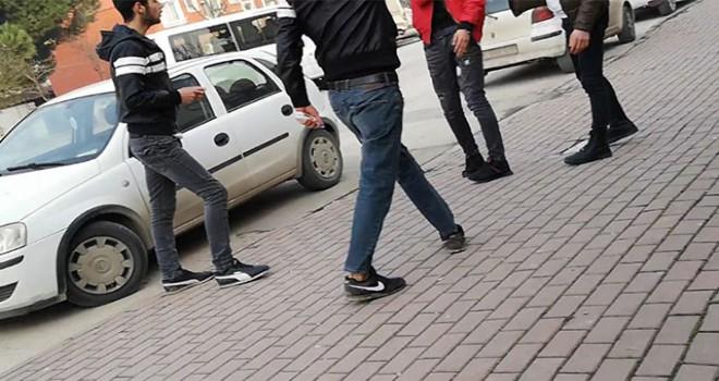 Üniversite öğrencisi, yan bakma kavgasında bıçaklandı
