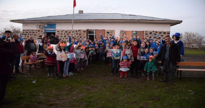 Haliç Gönüllüleri, Diyarbakırlı çocukları...