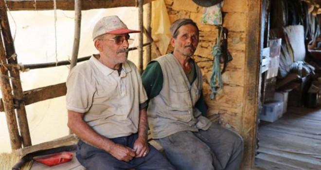 Kör, sağır ve dilsiz yaşlı kardeşlerin yaşam...