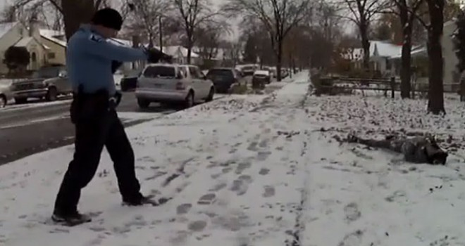 ABD polisi, bıçaklı adama kurşun yağdırdı