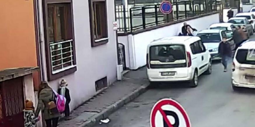 Bir kadını sokak ortasında darp ederek kaçırdılar, serbest bırakıldılar!