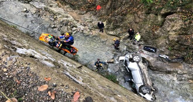 Zonguldak'ta otomobil dereye uçtu: 1 ölü, 1 yaralı