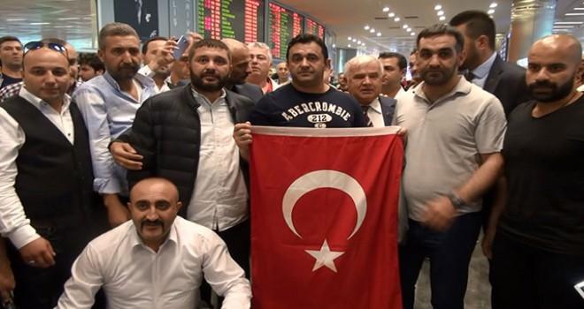 ABD'de serbest bırakılan Sinan Narin İstanbul'a...