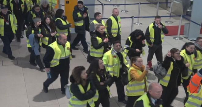 Almanya'da havalimanlarındaki grev, 600'ün üzerinde...