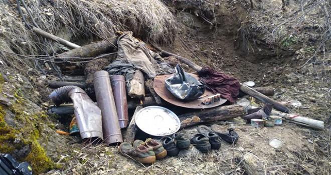 Karakoçan'da PKK'lı teröristlere ait malzemeler...