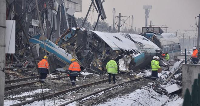 YHT kazasıyla ilgili soruşturmada, telsizler incelemeye...