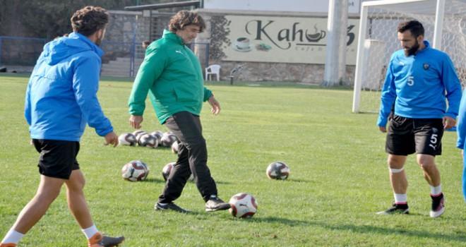 Karacabey Belediyespor galibiyet hasretine son vermek...