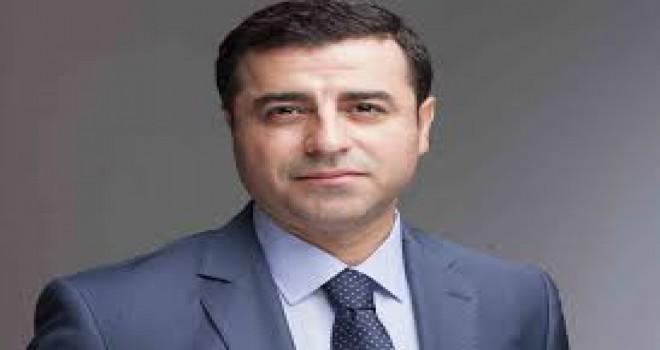 Selahattin Demirtaş'a ailesinden sürpriz: Kızları çaldı, eşi söyledi