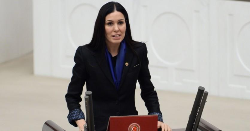 AKP'li Karaaslan: Anayasa'nın ruhuna müdahale ediyoruz