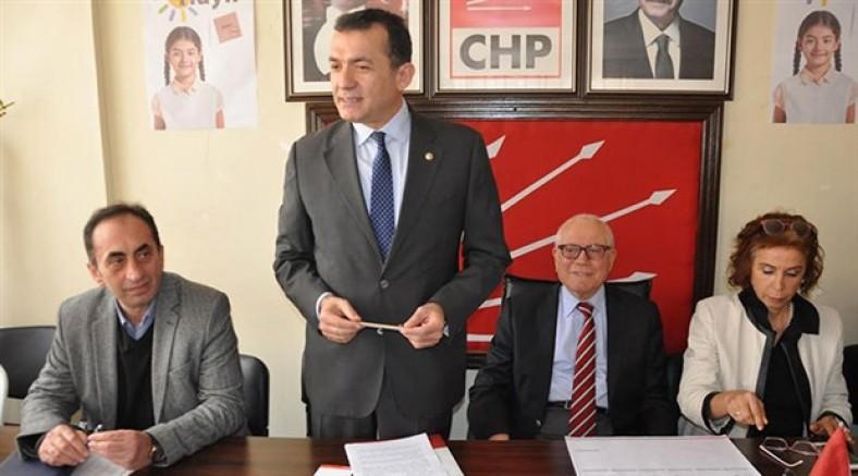 CHP'li Özyiğit: Öğrenciler şeyhin elini öpmeye götürüldü