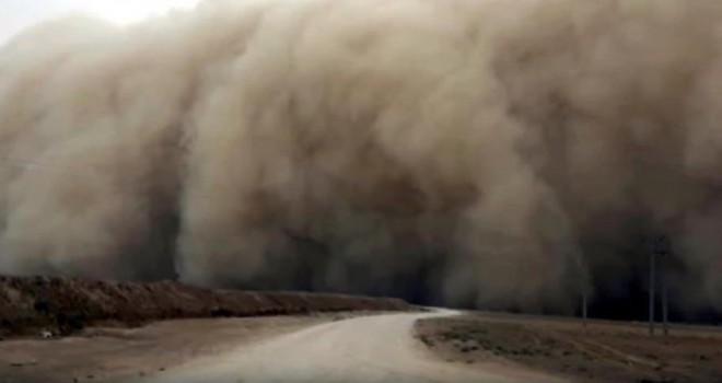 Suriye'nin kuzeyindeki toz fırtınası Güneydoğu'yu...