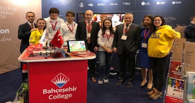 Bahçeşehir Koleji eğitim modelini Londra'da anlattı