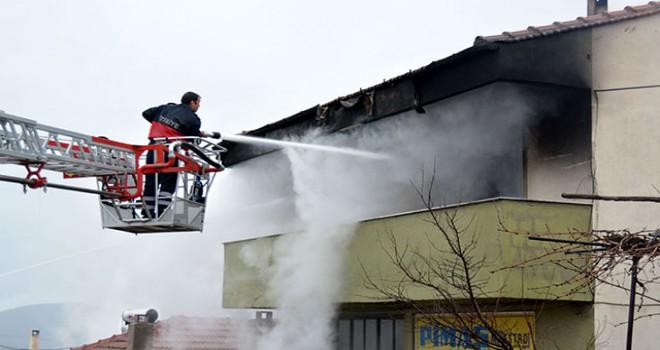 Ayvacık'taki yangında ev kullanılamaz hale geldi