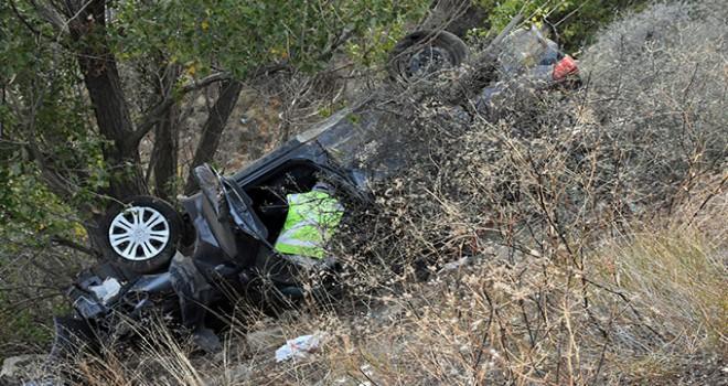 Otomobil şarampole uçtu: 2'si çocuk 6 yaralı