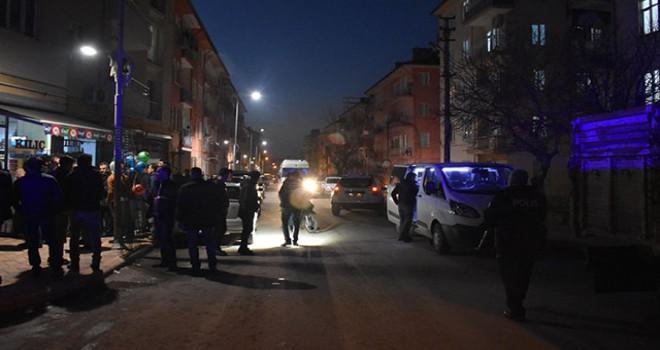 Malatya'da av tüfeğiyle vurulan muhtar yaralandı