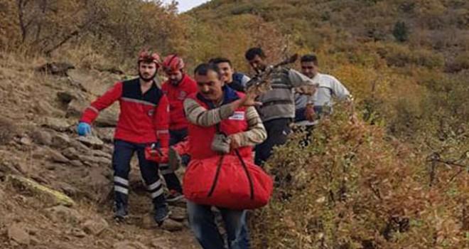 Dağlık arazide düşerek yaralanan çoban kurtarıldı