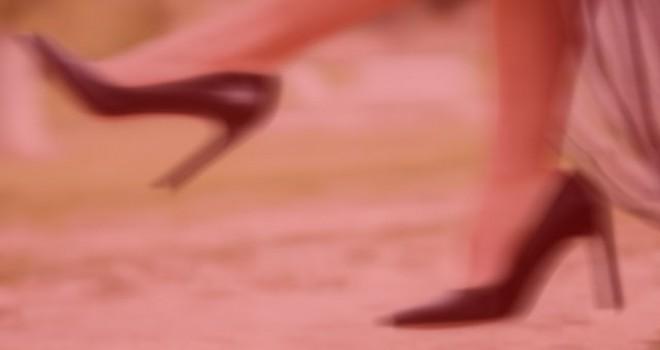 'Okul müdüründen öğretmenlere topuklu ayakkabı...