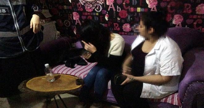 Bursa'da polisten masaj salonlarına baskın
