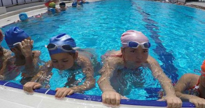 Yüzme Bilmeyen Kalmasın Projesi'nde hedef 100 bin...