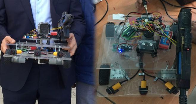 Şehit haberlerine üzülen öğrenciler askeri robot...