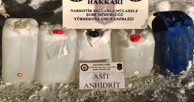 Yüksekova'da 102,5 litre asit anhidrit ele geçirildi