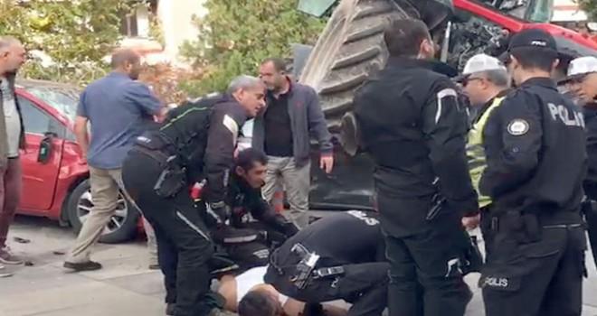 Meclis önünde hareketli dakikalar; Traktöre polisler...