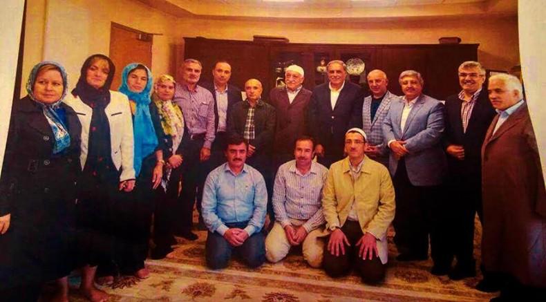 Gülen'i ziyaret eden AKP'li, 34 şirkete yönetici olarak atandı