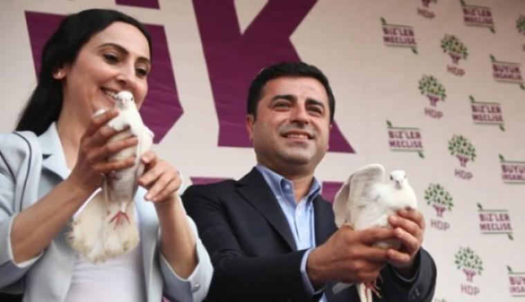 HDP Eş Başkanları Demirtaş ve Yüksekdağ'dan Newroz mesajı