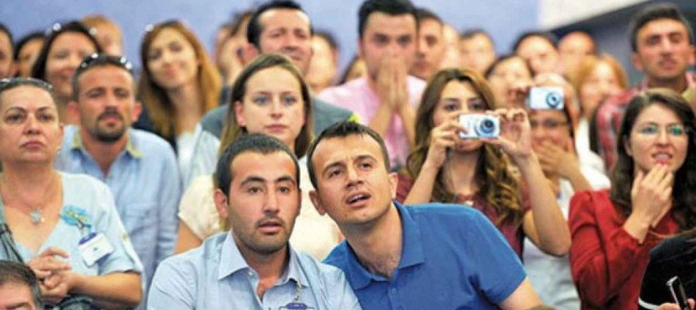 MEB'den ataması yapılmayan öğretmenlere: Her şeyi devletten beklemeyin