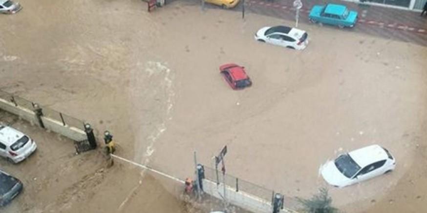 Mersin'de sel sularına kapılan kadın boğularak can verdi