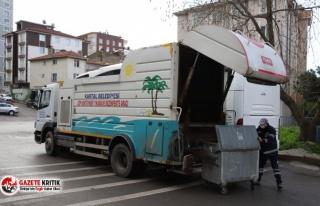 Kartal'da, Çöp Konteynerleri Yıkanıp Dezenfekte...